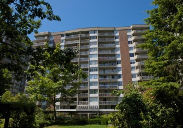 2020 Fullerton Avenue #610, North Vancouver, BC V7P 3G3 (#R2242478) :: Re/Max Select Realty