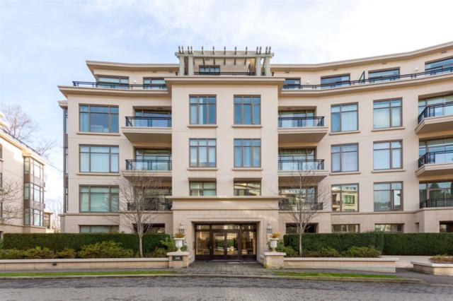 540 Waters Edge Crescent #203, West Vancouver, BC V7T 0A2 (#R2248914) :: West One Real Estate Team