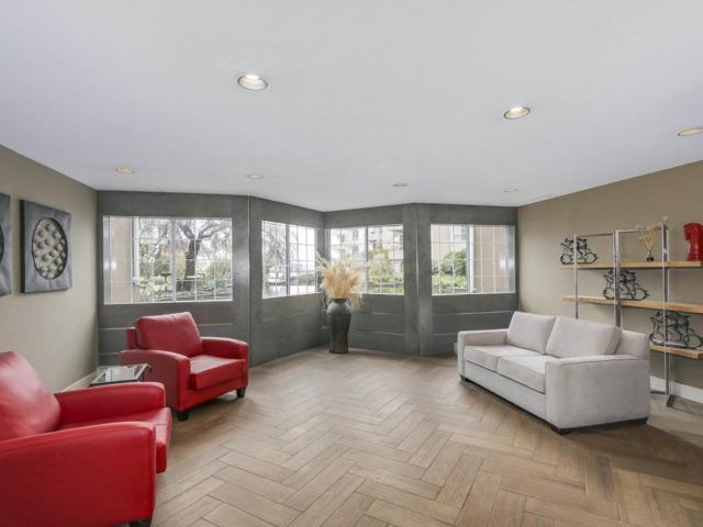 1150 Quayside Drive #113, New Westminster, BC V3M 6E1 (#R2255173) :: West One Real Estate Team