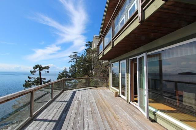 280 Arbutus Reach Road, Gibsons, BC V0N 1V8 (#R2256909) :: Linsey Hulls Real Estate