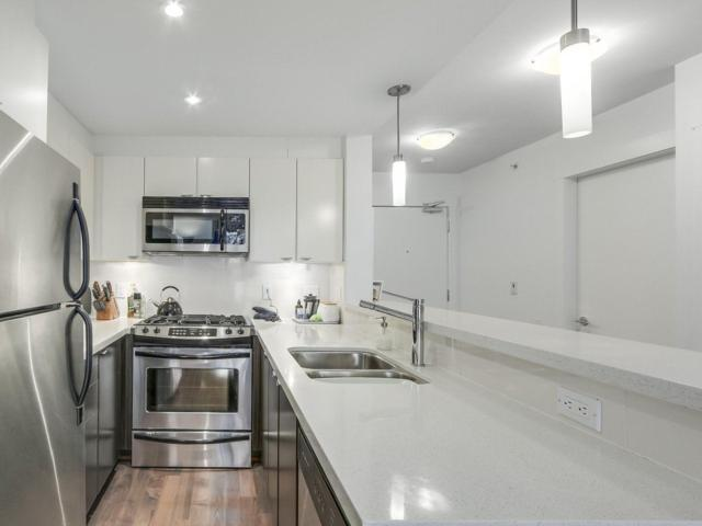160 W 3RD Street #600, North Vancouver, BC V7M 0A9 (#R2258937) :: West One Real Estate Team
