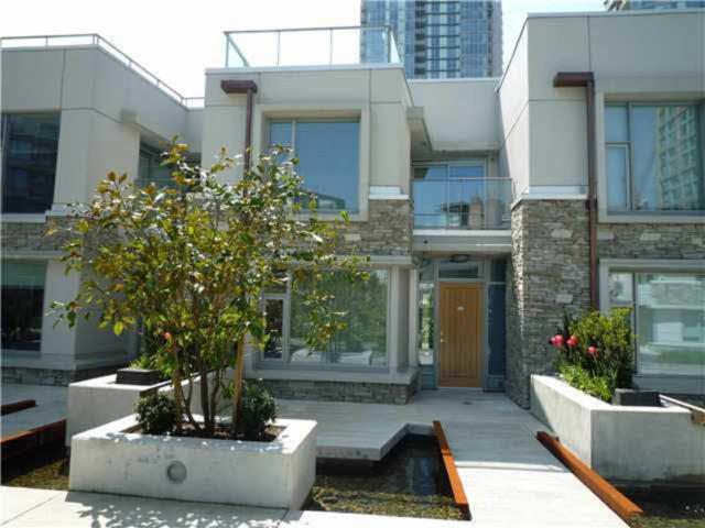188 Keefer Street Th232, Vancouver, BC V6B 0J1 (#R2261517) :: West One Real Estate Team