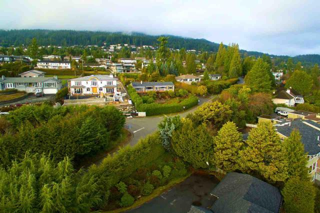910 Eyremount Drive, West Vancouver, BC V7S 2B3 (#R2267947) :: Vancouver House Finders