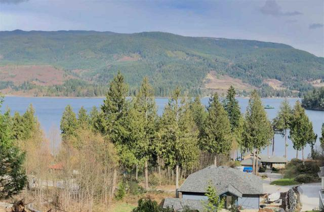 6254 Fairway Avenue, Sechelt, BC V0N 3A5 (#R2280892) :: RE/MAX Oceanview Realty