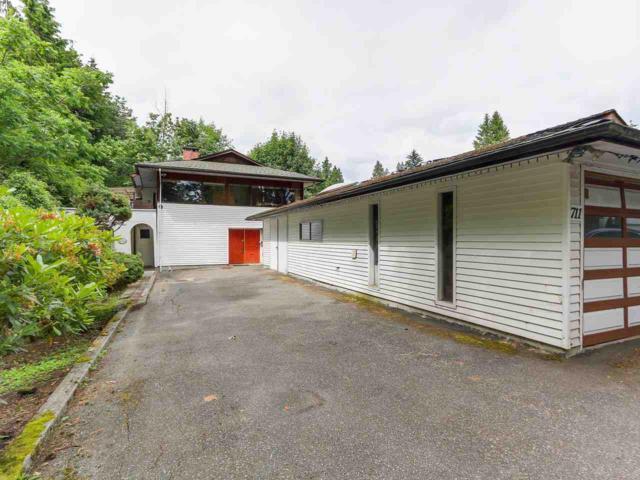711 W 18TH Street, North Vancouver, BC V7M 1X1 (#R2282498) :: TeamW Realty