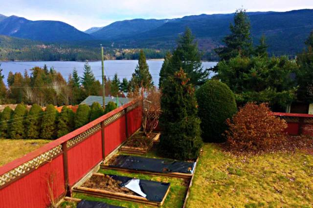 6178 Fairway Avenue, Sechelt, BC V0N 3A5 (#R2283373) :: RE/MAX Oceanview Realty