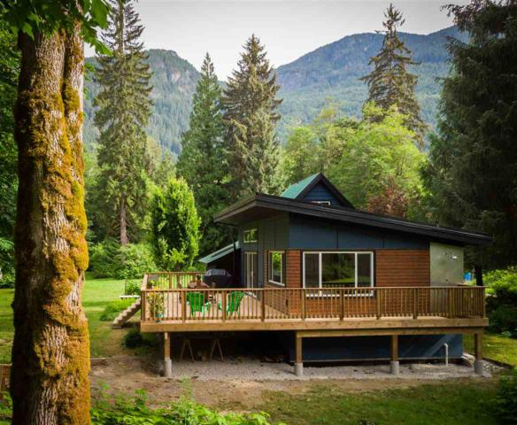 472 Deboer Lane, Squamish, BC V0N 1T0 (#R2287848) :: West One Real Estate Team