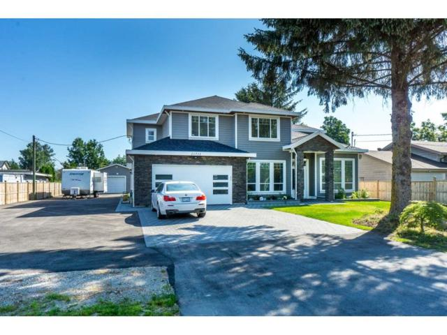 21713 Maxwell Crescent, Langley, BC V2Y 2P9 (#R2290380) :: Homes Fraser Valley