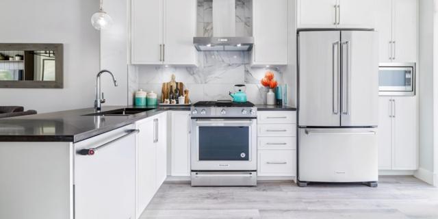 2960 151 Street #417, Surrey, BC V4P 1G9 (#R2297479) :: JO Homes | RE/MAX Blueprint Realty