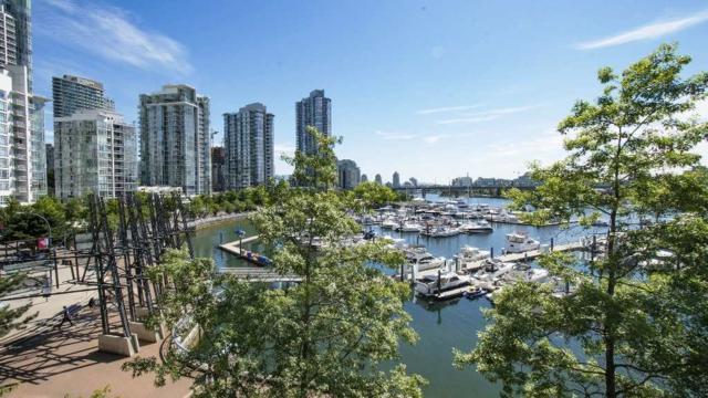1228 Marinaside Crescent #310, Vancouver, BC V6Z 2W4 (#R2297546) :: Vancouver Real Estate