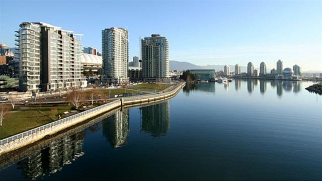 33 Smithe Street #2805, Vancouver, BC V6B 0B5 (#R2297980) :: West One Real Estate Team
