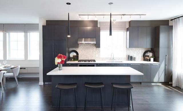 5551 Admiral Way #107, Ladner, BC V0V 0V0 (#R2305723) :: Vancouver House Finders