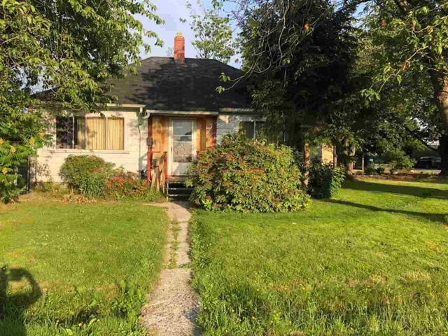 2020 Wellington Crescent, Richmond, BC V7B 1H1 (#R2306127) :: Vancouver House Finders