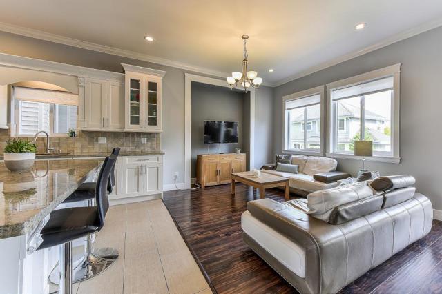 1640 King George Boulevard, Surrey, BC V4A 4Z8 (#R2308116) :: West One Real Estate Team