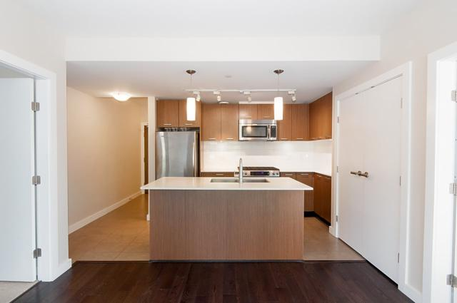 1177 Marine Drive #204, North Vancouver, BC V7P 1T1 (#R2310103) :: West One Real Estate Team