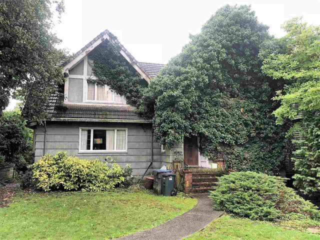 114 Queens Avenue, New Westminster, BC V3L 1J5 (#R2311865) :: TeamW Realty