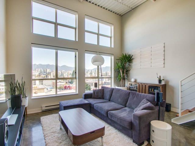 338 W 8TH Avenue #402, Vancouver, BC V5Y 3X2 (#R2313057) :: Vancouver Real Estate