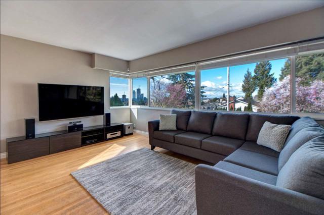 570 Springer Avenue, Burnaby, BC V5B 3K7 (#R2313621) :: TeamW Realty