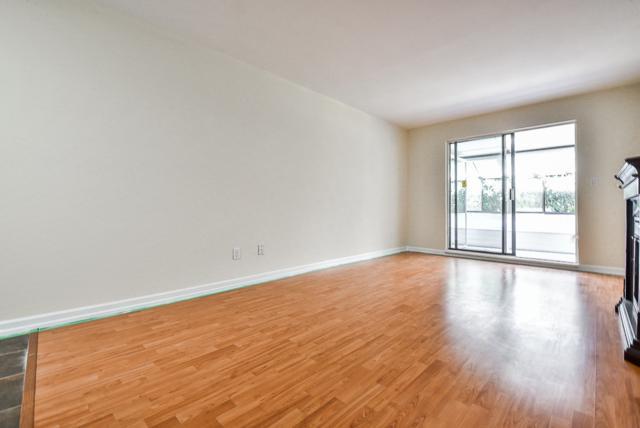1341 George Street #102, White Rock, BC V4B 4A1 (#R2314535) :: JO Homes | RE/MAX Blueprint Realty