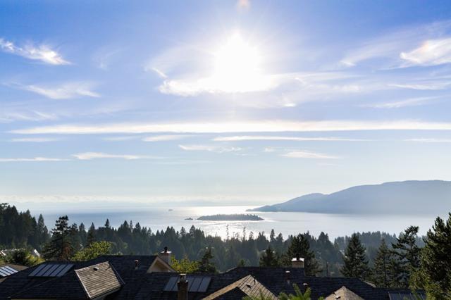 5470 Meadfeild Lane, West Vancouver, BC V7W 3G3 (#R2319484) :: West One Real Estate Team