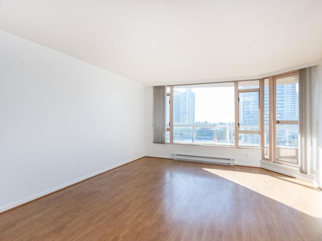 4657 Hazel Street #1404, Burnaby, BC V5H 4R2 (#R2321653) :: West One Real Estate Team