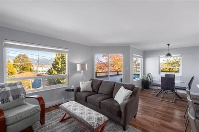 2239 St. Catherines Street #301, Vancouver, BC V5T 4M9 (#R2322995) :: West One Real Estate Team
