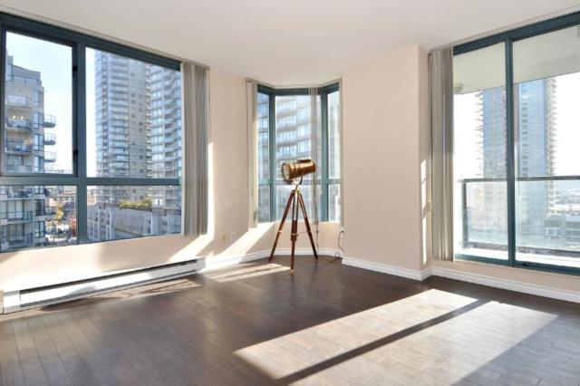 55 Tenth Street #907, New Westminster, BC V3M 6R5 (#R2327681) :: Vancouver Real Estate