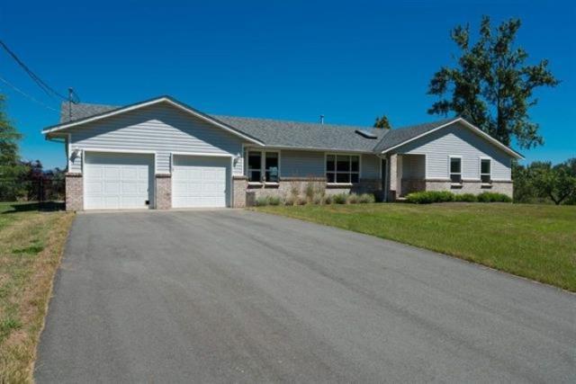 27975 Quinton Avenue, Abbotsford, BC V4X 1J7 (#R2330470) :: Premiere Property Marketing Team