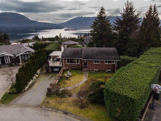 738 Friar Crescent, North Vancouver, BC V7G 1M6 (#R2337840) :: TeamW Realty