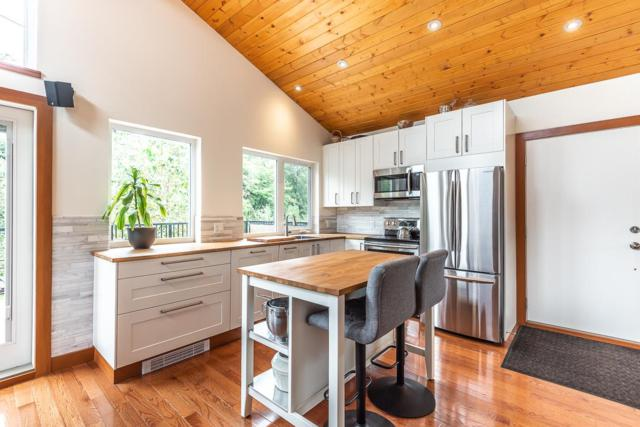 40249 Government Road, Squamish, BC V0N 1T0 (#R2341343) :: TeamW Realty