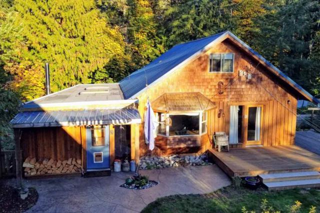 13066 Narrows Road, Madeira Park, BC V0N 2H1 (#R2342886) :: Vancouver Real Estate