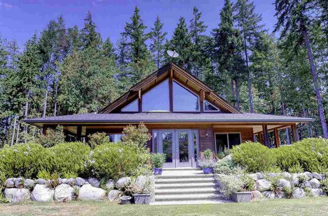 1992 Crystal Crescent, Roberts Creek, BC V0N 2W1 (#R2344842) :: Vancouver Real Estate