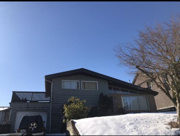 207 Seaview Drive, Port Moody, BC V3H 1N9 (#R2345531) :: TeamW Realty