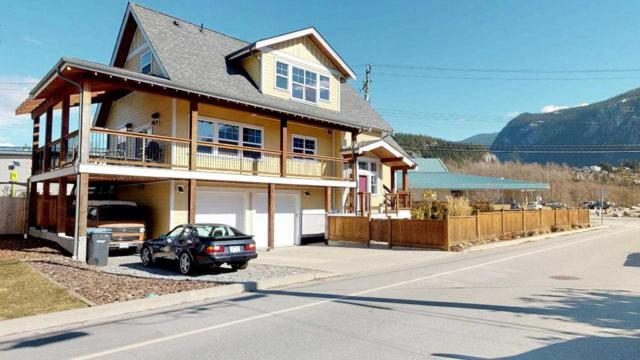 1223 Wilson Crescent, Squamish, BC V8B 0M4 (#R2347356) :: TeamW Realty