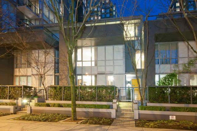 1018 Richards Street, Vancouver, BC V6B 3E1 (#R2349579) :: TeamW Realty