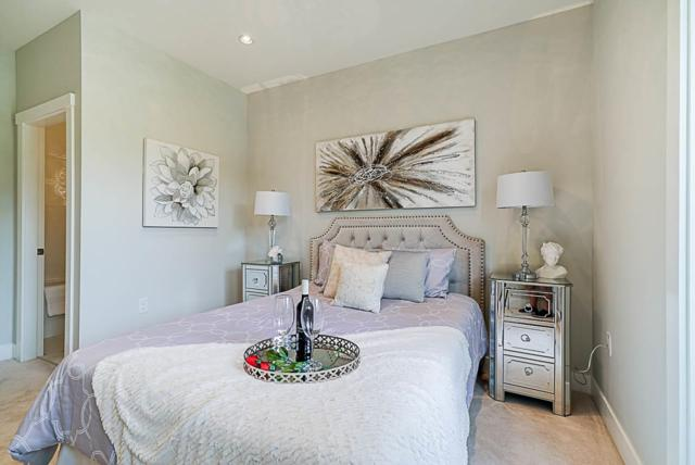 5486 Canada Way, Burnaby, BC V5E 3N3 (#R2370242) :: Vancouver Real Estate