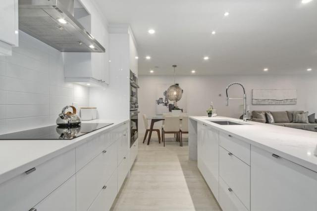 2024 Fullerton Avenue #201, North Vancouver, BC V7P 3G4 (#R2370969) :: Vancouver Real Estate