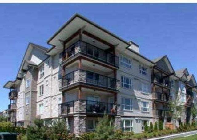 5465 203 Street #112, Langley, BC V3A 9L8 (#R2370983) :: Vancouver Real Estate