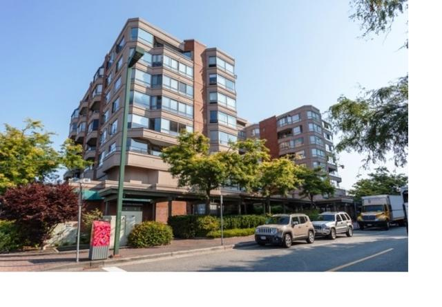 15111 Russell Avenue #807, White Rock, BC V4B 2P4 (#R2372081) :: Royal LePage West Real Estate Services