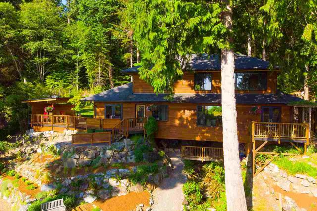 949 Windjammer Road, Bowen Island, BC V0N 1G2 (#R2379116) :: Royal LePage West Real Estate Services