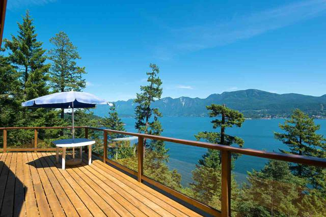 653 Cliff Road, Bowen Island, BC V0N 1G1 (#R2380647) :: Royal LePage West Real Estate Services