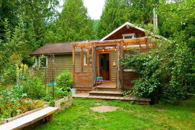 1320 Oceanview Road, Bowen Island, BC V0N 1G0 (#R2395972) :: Vancouver Real Estate