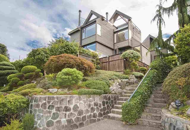2562 W 1ST Avenue, Vancouver, BC V6K 1G7 (#R2405427) :: Vancouver Real Estate