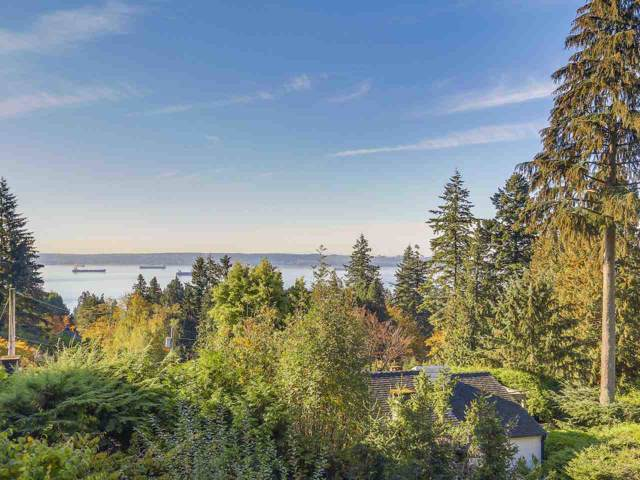 2720 Rosebery Avenue, West Vancouver, BC V7V 3A2 (#R2419179) :: RE/MAX City Realty