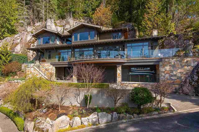 2881 Panorama Drive, North Vancouver, BC V7G 2A4 (#R2427430) :: RE/MAX City Realty