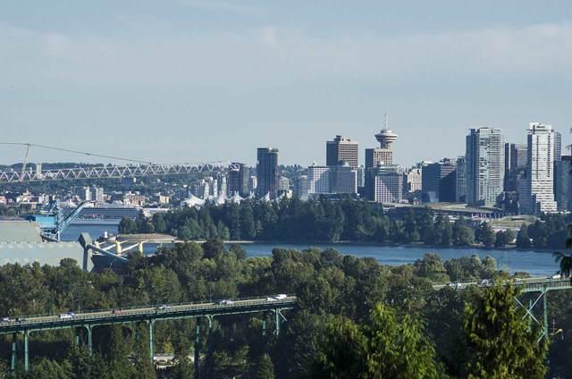 875 Esquimalt Avenue, West Vancouver, BC V7T 1J9 (#R2429944) :: RE/MAX City Realty