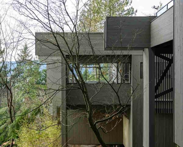 5325 Montiverdi Place, West Vancouver, BC V7W 2W8 (#R2431230) :: RE/MAX City Realty