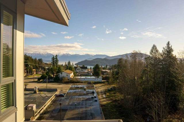 875 Gibsons Way #408, Gibsons, BC V0N 1V0 (#R2436608) :: RE/MAX City Realty