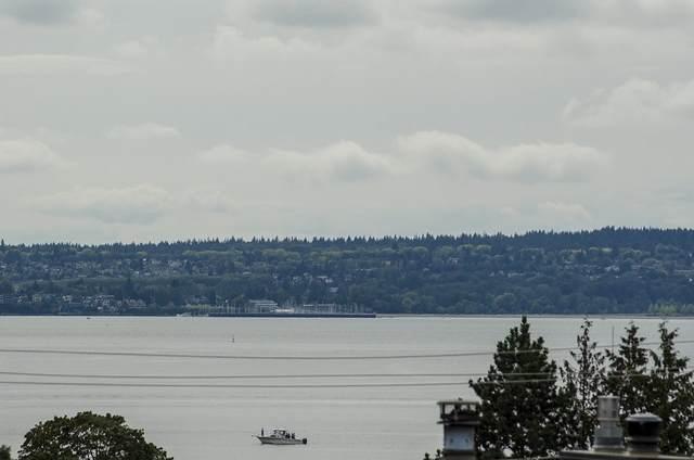 1236 Duchess Avenue, West Vancouver, BC V7T 1H4 (#R2473728) :: Initia Real Estate
