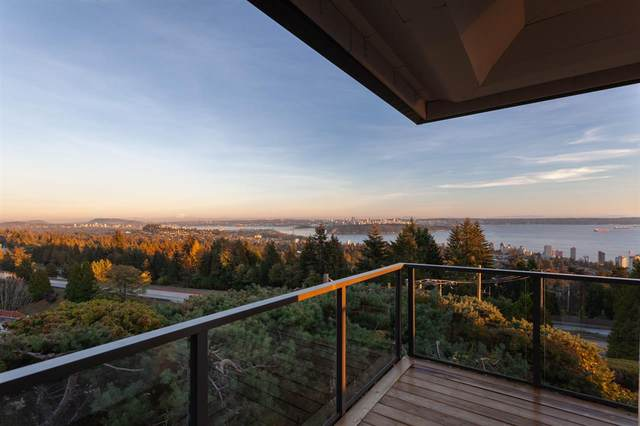 2206 Folkestone Way #14, West Vancouver, BC V7S 2X7 (#R2477030) :: Initia Real Estate